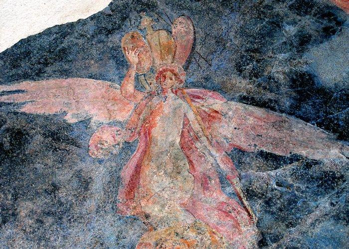 Museo Civico Archeologico Villa di Traiano - Clipeo con Vittoria alata