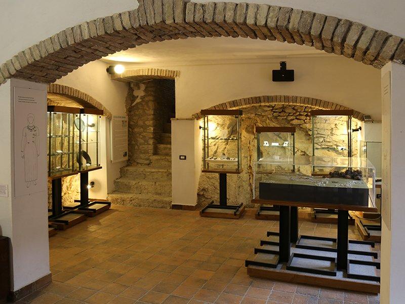 Foto_02: Museo di Riofreddo - Settore Archelogico