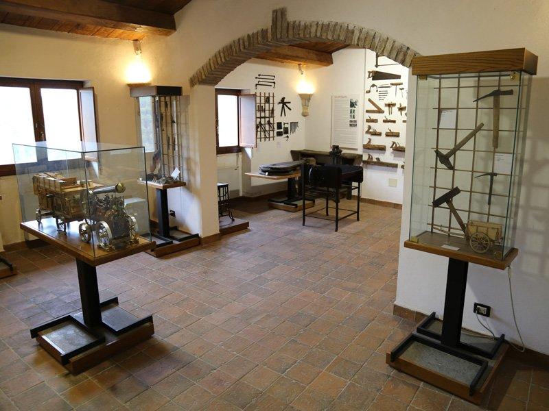 Foto_17: Museo di Riofreddo - Settore Demoetnoantropologico - I sala