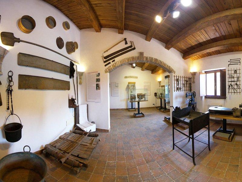 Foto_20: Museo di Riofreddo - Settore Demoetnoantropologico - II sala